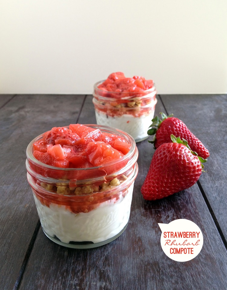 Yogurt Parfait with Strawberry Rhubarb Compote - Freutcake | Freutcake