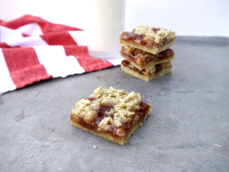 Straberry Jam Crumb Bars 3 Strawberry Jam Crumb Bars