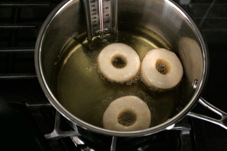 frying-doughnuts