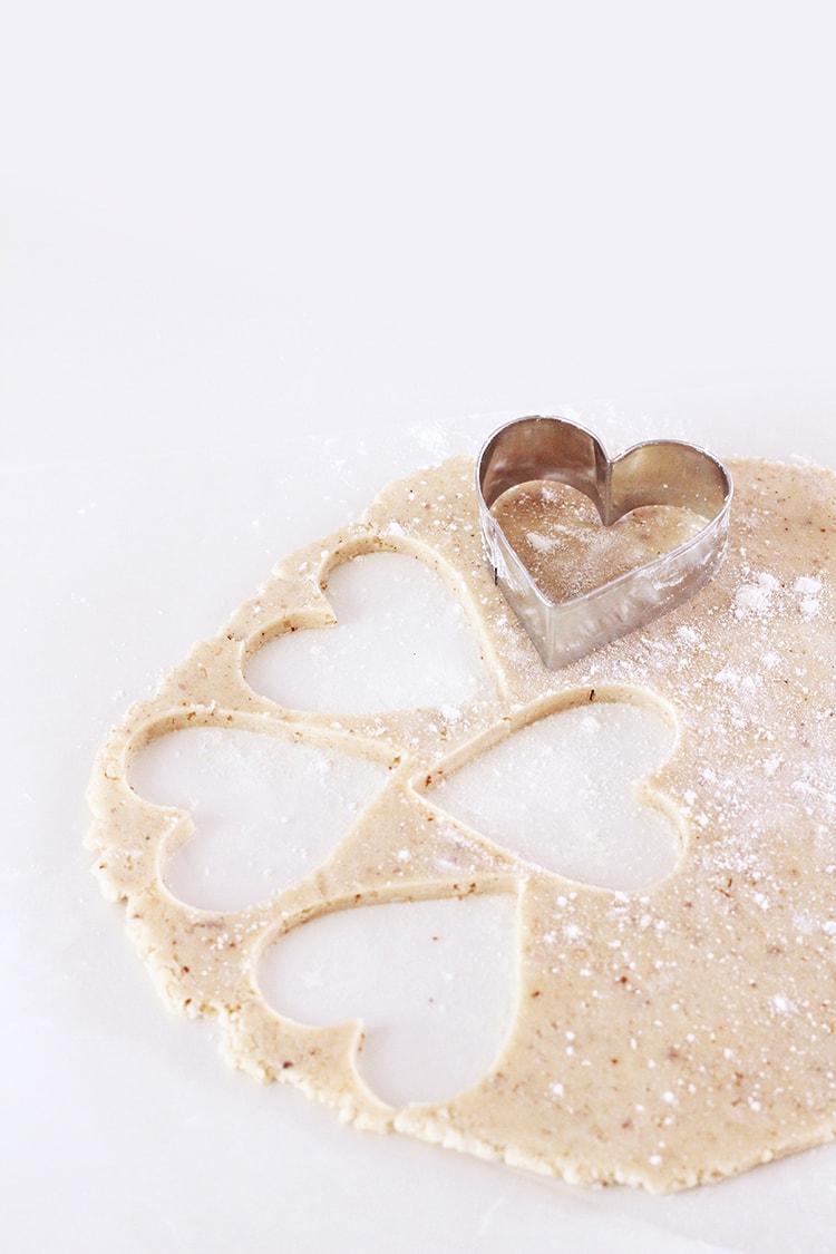 Raspberry Linzer Heart Cookies | Freutcake