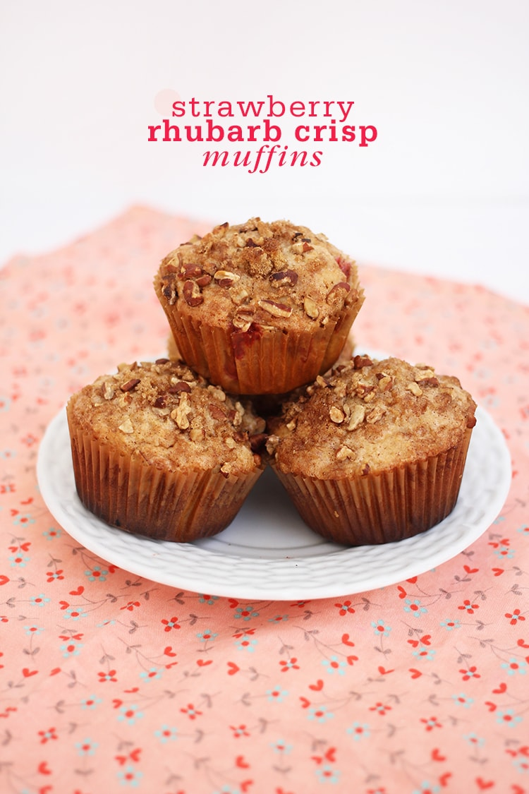 strawberry Rhubarb Crisp Muffins