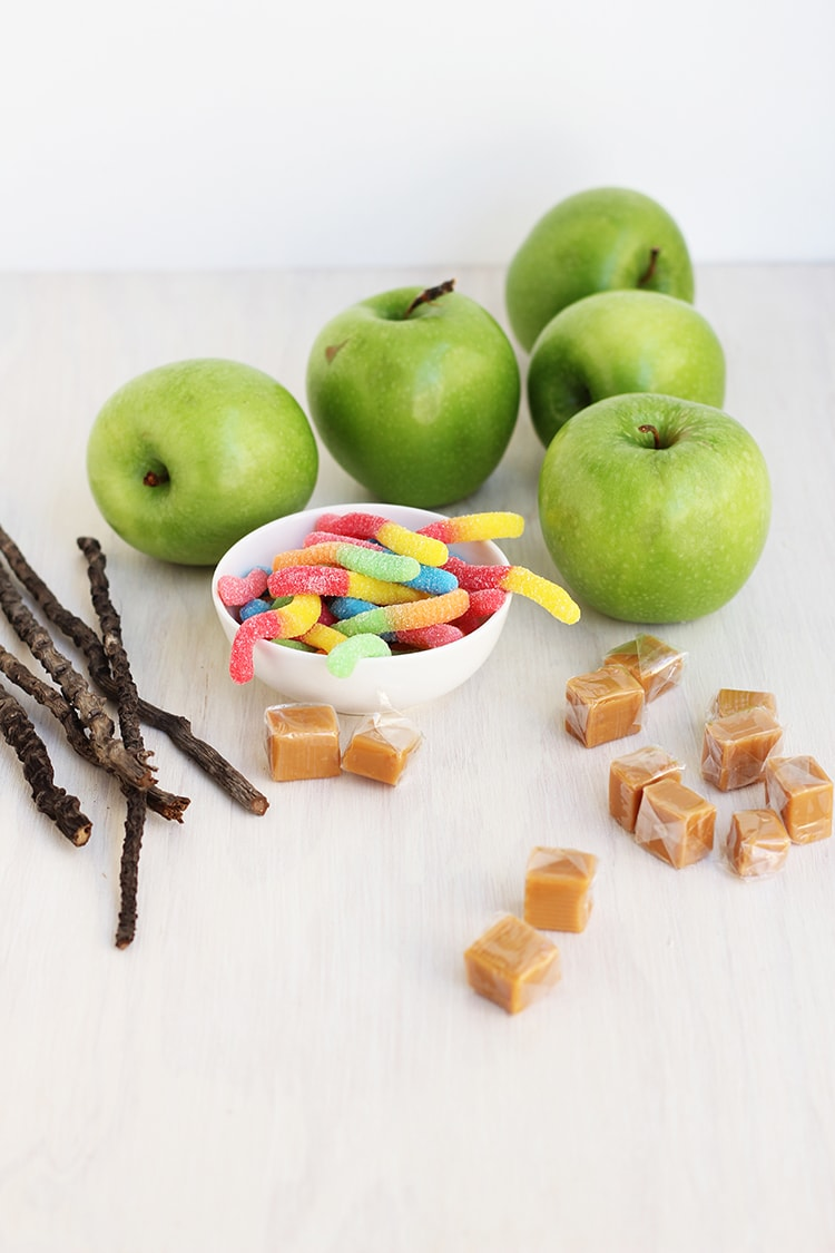 Easy Caramel Apples Prep Easy Wormy Caramel Apples
