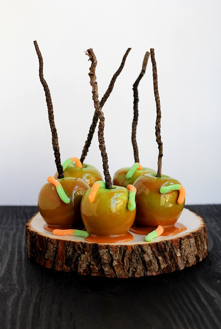 Easy Wormy Caramel Apples Easy Wormy Caramel Apples