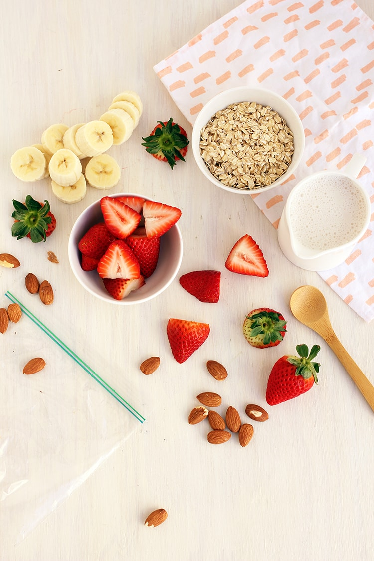 Strawberry Oatmeal Smoothie Ingredients