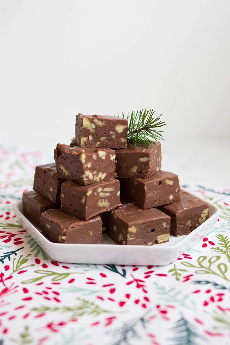 Easy Chocolate Pecan Fudge
