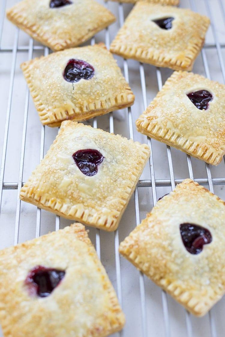 Cherry Hand Pies - Freutcake | Freutcake