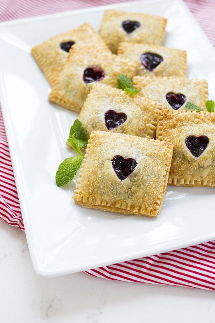 Cherry Hand Pies - Freutcake
