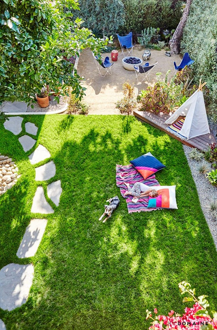 Backyard kidspaces i am loving freutcake for Small backyard ideas for kids