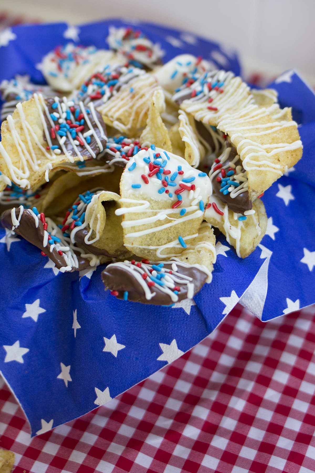 Red White Amp Blue Chocolate Covered Potato Chips Freutcake