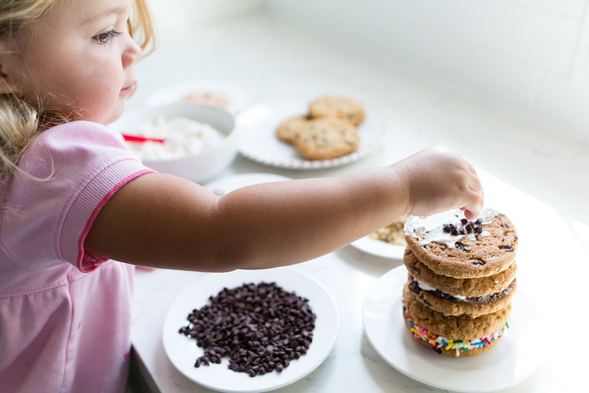 Easy Oatmeal Cookie Sandwiches You Can Make With Kids!