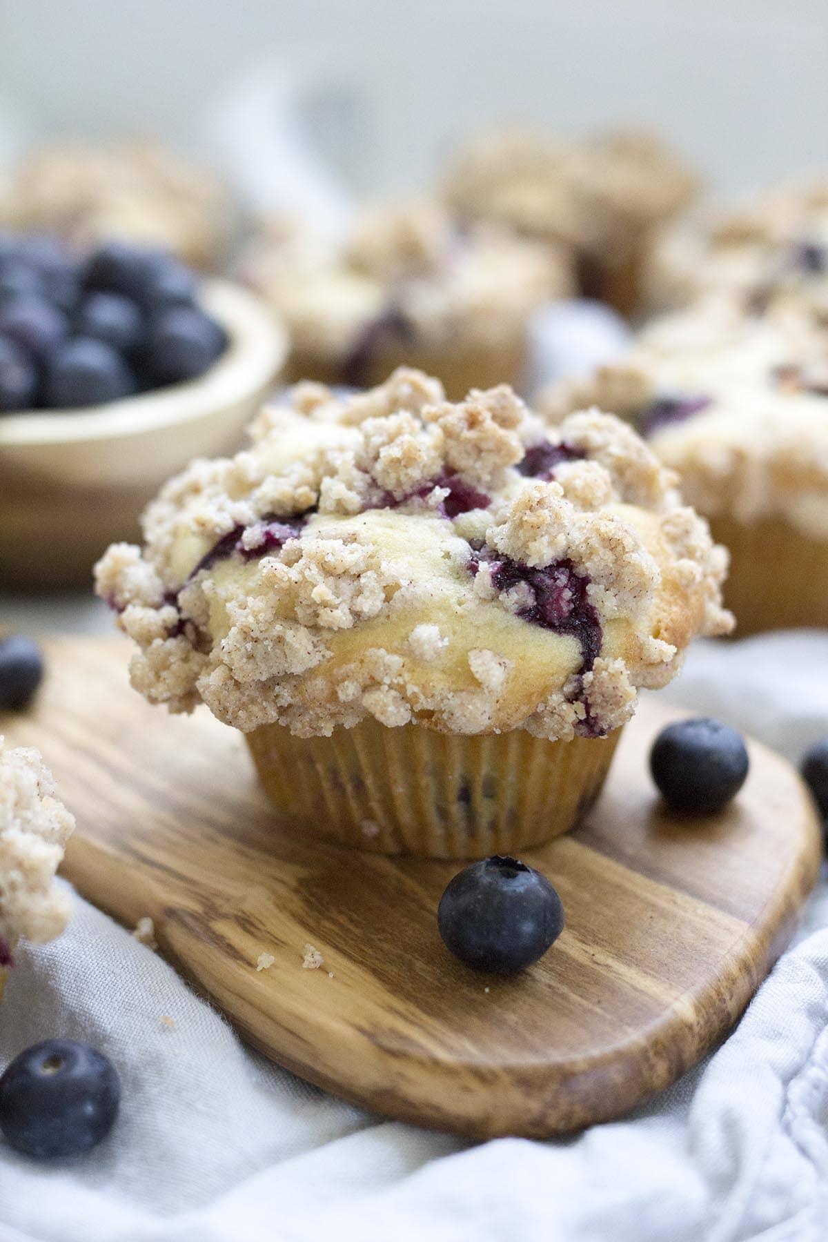 Blueberry Crumb Muffins - Freutcake