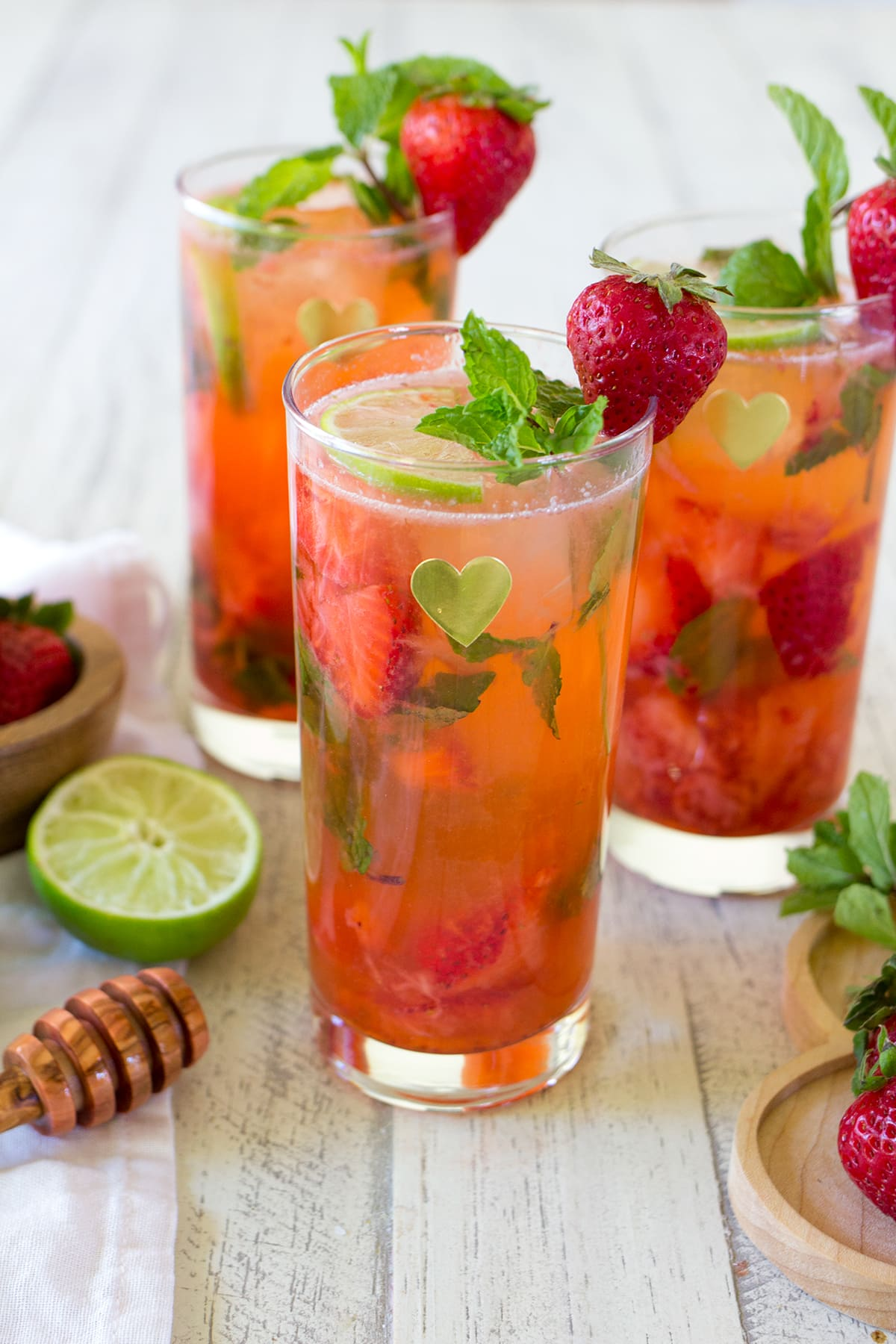 Skinny Strawberry Mojito